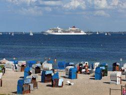 Blick aus seeseitigen Juniorsuiten direkt am Strand